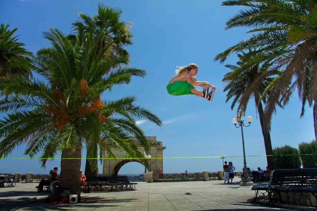 Grab on trickline in Cagliari