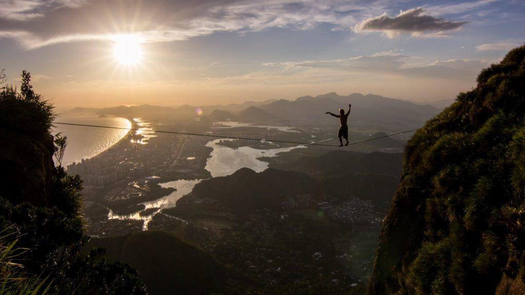 Free solo highline walk in Rio de Janeiro